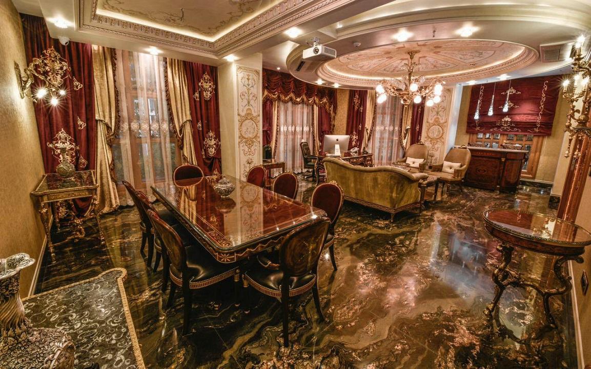 Persian Carpet Gallery (1)